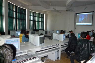 数码钢琴教室,电钢琴教室,教学控制系统和电脑音乐
