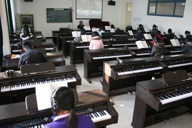 音乐器材教室板报